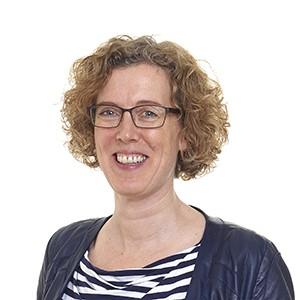 Esther Hertog