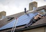 WerkBedrijf mikt op statushouders voor leggen van zonnepanelen