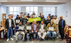 16 kandidaten behalen certificaat elektromonteur of schilder