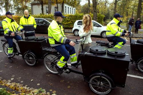 Samen met assistent wijkvegers voor een schoner Dukenburg